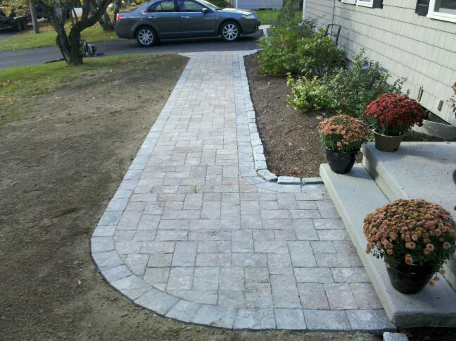 Walkway with plantings – Haverhill